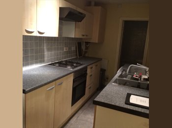 EasyRoommate UK - Furnished Shared House available - 3 double bedrooms, Knutton - £325 pcm