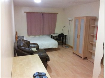 Airconditioned Rooms available very close to Warwick Uni