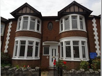EasyRoommate UK - 4 large double bedrooms in great location - Bills included, Coventry - £369 pcm