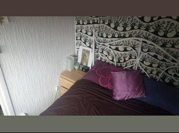 EasyRoommate UK - Bedroom with attached private living area available!, London - £875 pcm