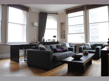 EasyRoommate UK -  Flat mate wanted! Prime location in Manchester city centre: M1 2BU Room free to move in immediately, Manchester - £650 pcm