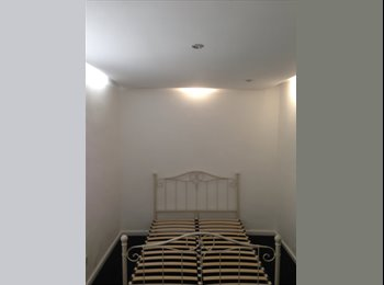 EasyRoommate UK - Nice room, Glasgow - £640 pcm