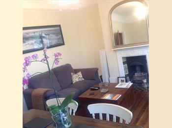 EasyRoommate UK - Double bedroom Stratford/Wanstead Park/Forest Gate £600 Inc bills., London - £600 pcm