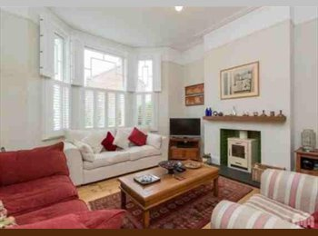 EasyRoommate UK - Flatmate needed for an incredible house, Brighton - £650 pcm