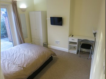 Luxury Double Room to Let, All Bills, Tv, Close to JLR