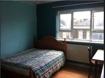 EasyRoommate UK - Double room to let in  a warm cosy flat , London - £700 pcm