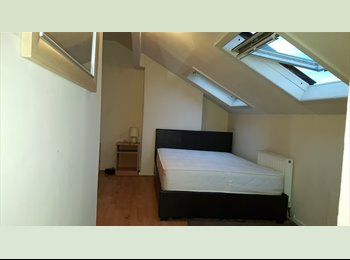 2 Bed house 1 Double room available January 1st