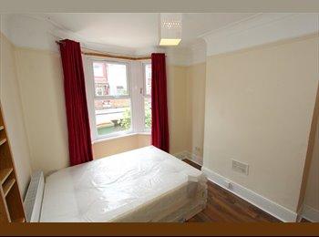 Spacious Double room near East ham station