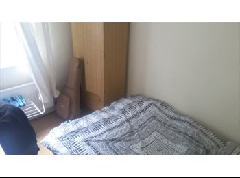 EasyRoommate UK - Double room Manor House, Londra - £590 pcm