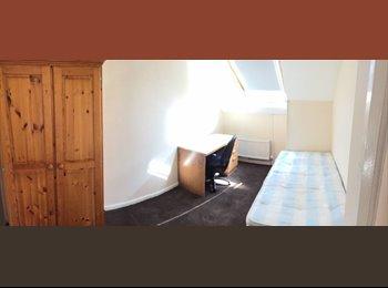 EasyRoommate UK - one room left , Hylton Rd, Sunderland - £238 pcm