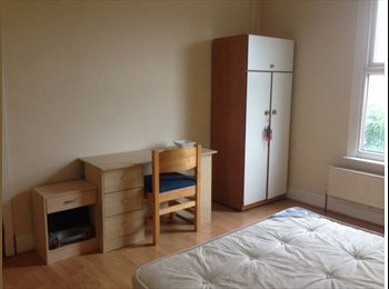 1 Double Bed Room in Behind MRi