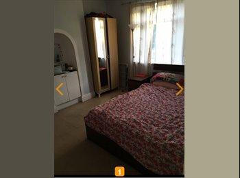 EasyRoommate UK - Double room to rent near Danson Park SE London , London - £490 pcm