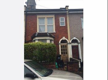 EasyRoommate UK - Room to Rent, Bristol - £400 pcm