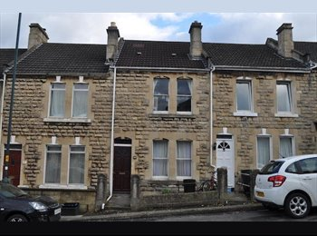EasyRoommate UK - Sunny and friendly house in Oldfield Park. , Bath - £390 pcm