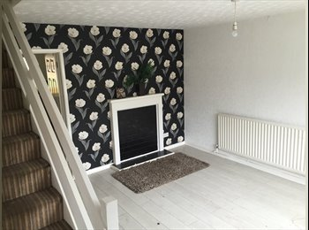 EasyRoommate UK - 4 BEDROOM HOUSE AVAILABLE IN DUDLEY, Dudley - £750 pcm