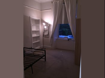 Flateshare - large double room to let