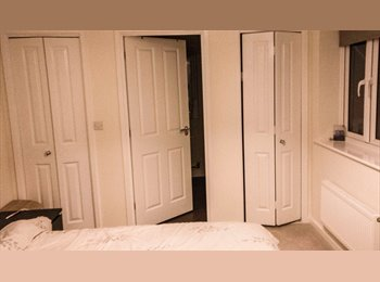 EasyRoommate UK - Clean Modern Room in Quite area - Extra Storage, Burton Latimer - £450 pcm