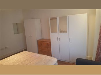 EasyRoommate UK - 2 double room for rent, Southall - £600 pcm