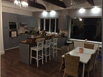EasyRoommate UK - Gorgeous WOW factor house! 3 rooms: £400/500/550, Bredbury - £400 pcm