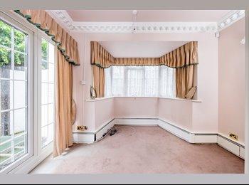5 Bedroom Detached House - Grade II Listed