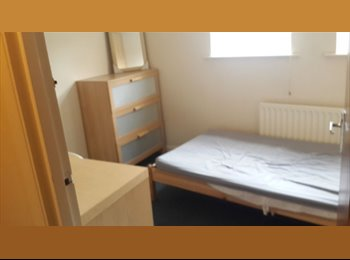 EasyRoommate UK - Centre room Newcastle. Architecture Student flatmate, Newcastle upon Tyne - £350 pcm