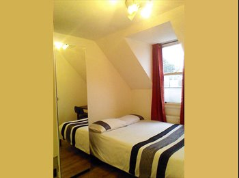 Double room in bright flat