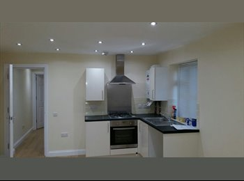 EasyRoommate UK - New and Modern 1 Bedroom Flat, High Wycombe - £820 pcm