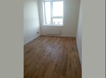 F  CHEAP AND BRIGHT SINGLE ROOM ALL BILLS INCLUDED !!