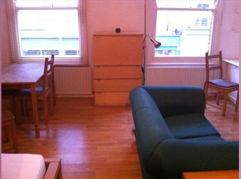 Extra Large Double Room Available Now