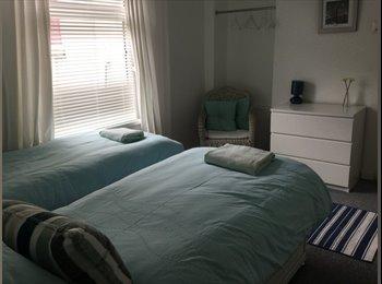 EasyRoommate UK - Stylish Cardiff Apartment, Cardiff - £550 pcm