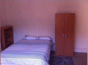 EasyRoommate UK - Double Room to Let in Professional House Share, Bristol - £495 pcm