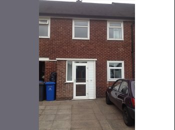 EasyRoommate UK - Large Modern Double Room **CLOSE TO A38**, Derby - £315 pcm