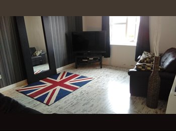 EasyRoommate UK - Clean, Furnished, Double room to rent , Longbenton - £400 pcm