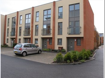 EasyRoommate UK - Nice new house looking for house share., Chichester - £500 pcm