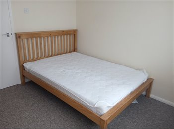 EasyRoommate UK - Furnished double room in 2 bed flat, close to Science Park, Milton - £520 pcm
