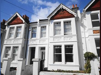 EasyRoommate UK - Quiet nice room facing the garden, Brighton - £450 pcm