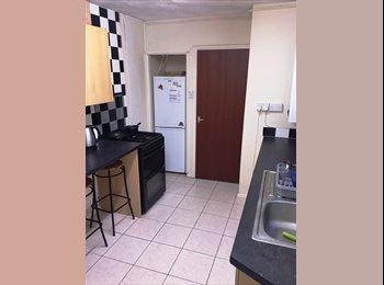 EasyRoommate UK - Double room in four bedroom house share, Pontypridd - £170 pcm