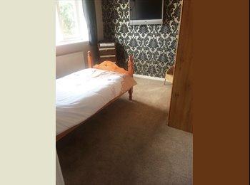 EasyRoommate UK - Lovely Single Room in Billericay, CM12, Billericay - £400 pcm