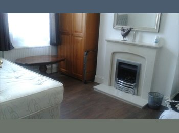 EasyRoommate UK - DOUBLE AND SINGLE ROOM TO RENT IN HACKNEY - ALL BILLS INCLUDED, London - £640 pcm