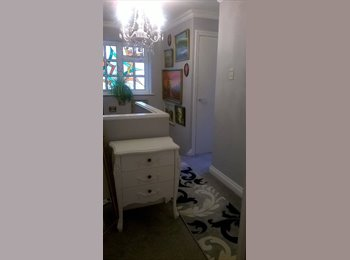 EasyRoommate UK - Double room in clean,quiet and friendly house, Bristol - £400 pcm