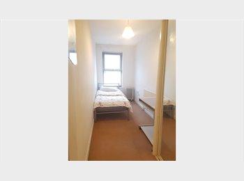 EasyRoommate UK - SINGLE ROOM TO RENT IN LEYTONSTONE - ALL BILLS INCLUDED, London - £480 pcm