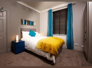 EasyRoommate UK - EXTREMELY HIGH STANDARD BOUTIQUE ROOM, Crawley - £650 pcm