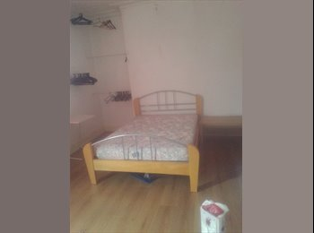 EasyRoommate UK - Big double room near the centre of Hull, Hull - £300 pcm