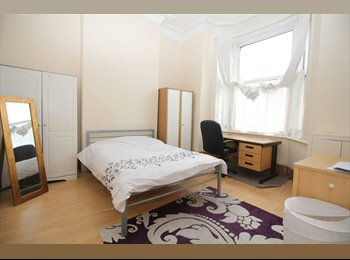 EasyRoommate UK - No Deposit or Upfront Fees!!!!- Preston PR1, Preston - £265 pcm