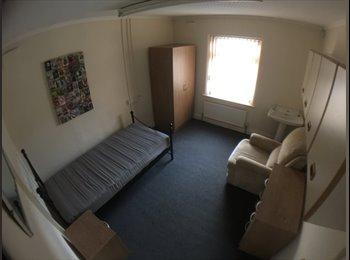 EasyRoommate UK - Very large single room To Let, Warrington - £390 pcm