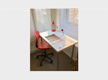 EasyRoommate UK - 650 for spanish person, female prefered, London - £650 pcm
