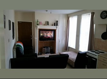EasyRoommate UK - Single Room On Mountwise, Newquay - £435 pcm