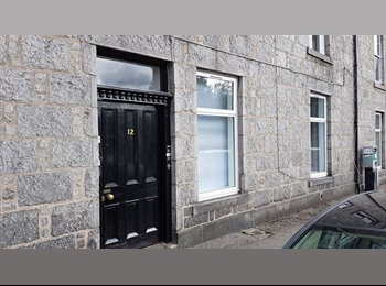 Two bedroom flat to LET in the centre of Aberdeen. NO...