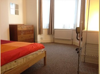 EasyRoommate UK - Large Double Rooms, Milton - £370 pcm
