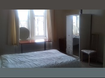 Spacious Double room to rent for females only!!